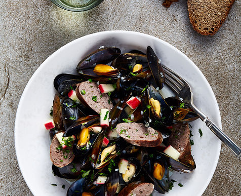 Steamed Mussels with Venison Sausages, Cider & Apple
